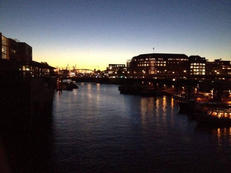 Coucher de soleil - Port de Hambourg