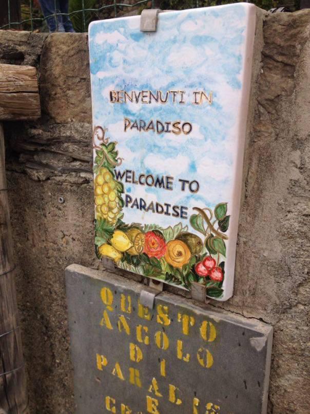 Bienvenue au Paradis - Écriteau à l'entrée de Manarola